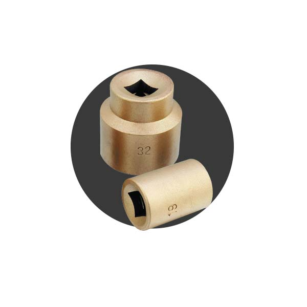 Sockets 1/2″ & 3/4″ sq. drive and its attachments